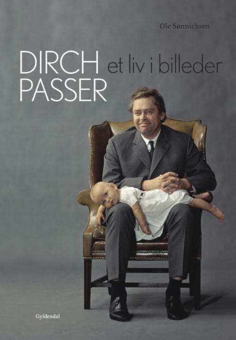 Image of   Dirch Passer - Et liv i billeder (E-bog)