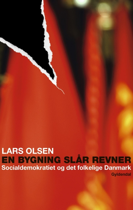 lars olsen – En bygning slår revner (e-bog) på bogreolen.dk