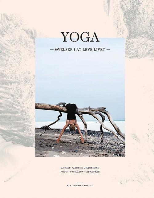 Yoga  -  øvelser i at leve livet (Bog)