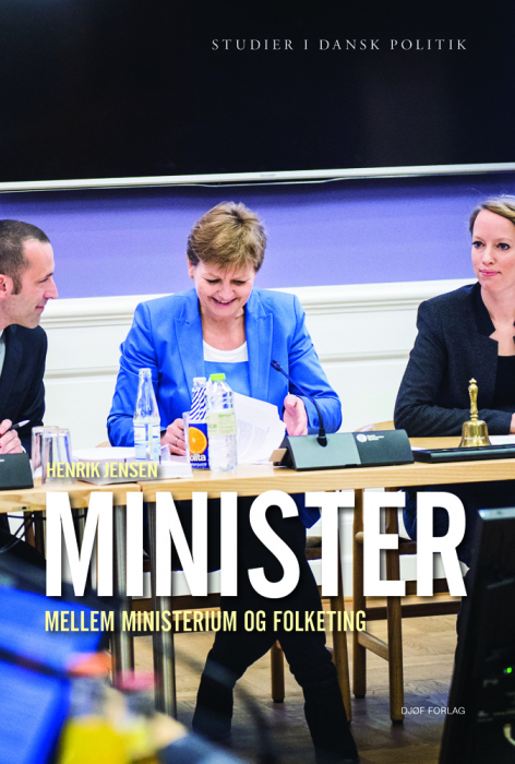 Minister  -  mellem ministerium og Folketing (Bog)
